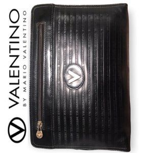 Authentic 'V' VALENTINO BEAUTIFUL Black EMBOSSED LOGO LEATHER Envelope CLUTCH!